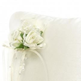 Cojín para Anillos Crema con Flores Blancas