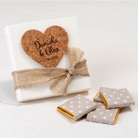 Estuche Blanco con 4 Chocolates e Corazón de Corcho