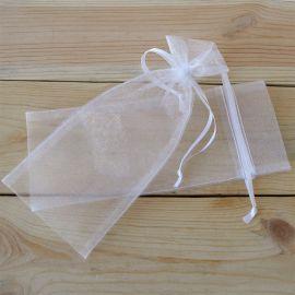 12 Bolsas Beige con Corazones Blancos de 10 cm x 13 cm